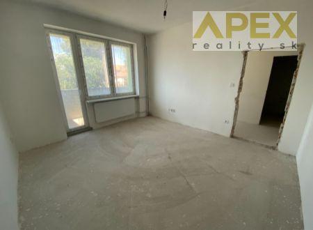 Exkluzívne APEX reality 1i. byt s balkónom po rekonštrukcii, holobyt, 32 m2