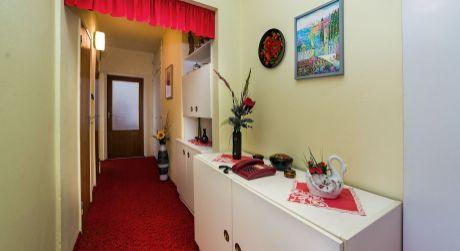 NA PREDAJ veľký dvojizbový byt vo vyhľadávanej časti Dúbravky