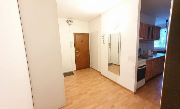 Prenájom veľkorysého 2 izbového bytu na Chrenovej NR! Výborná lokalita! 2 nepriechodné izby!