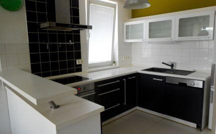 Predaj pekný 3-izb.byt s prsklenou  lóggiou Brezová p.Br. okr. Myjava