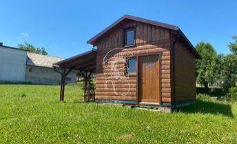 Malebná rekreačná drevenica s pozemkom v obci Stuľany