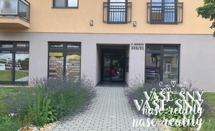 Na prenájom novostavba 2 izb byt kompletne zariadený na ul. F. Madvu v Prievidzi .