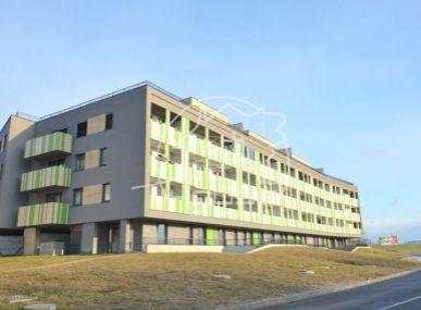 PREDAJ: 3 izb. slnečný byt, výmera 82,50 m2, 2 balkóny, garážové státie, pivnica, skolaudovaná novostavba, WESTPARK BA IV Záhorská Bystrica.