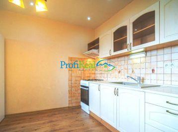 Nová cena:Na predaj 3-izbový byt, sídlisko Západ v Poprade