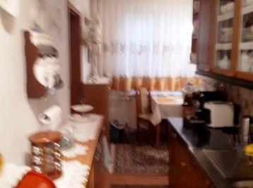 ČAJKOVSKÉHO - 4-i byt, 84 m2 – kompletne ŠTÝLOVO ZARIADENÝ, kvalitná rekonštrukcia, LOGGIA, tichá lokalita, veľká pivnica