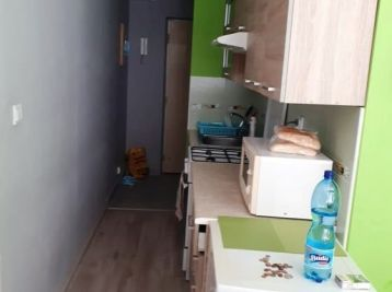 M.R. ŠTEFÁNIKA - 1-izbový byt 35 m2 , 2x LOGGIA,kompletná REKONŠTRUKCIA, skvelá občianska vybavenosť