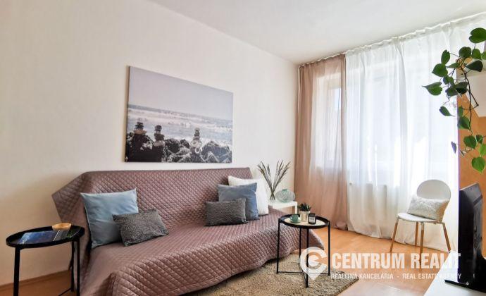Svetlý 1-izbový byt na predaj, Nobelova ul., Bratislava