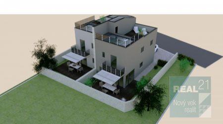 Ponúkame na predaj dvojpodlažné apartmány so záhradou, 210m od mora.