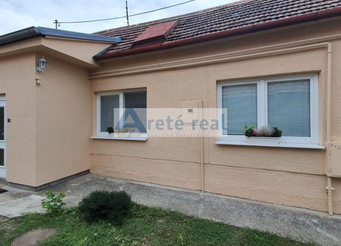 Rodinný dom - Slovenský Grob - Fotografia 1