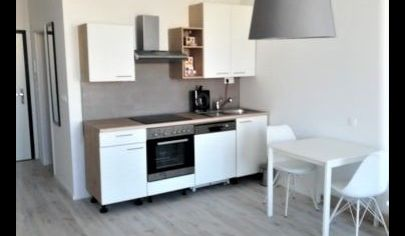 Predaj - 1 izbový apartmánový byt s balkónom - Slnečnice zóna Mesto - BA V