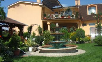 Na predaj rodinná vila vhodná pre viacgeneračné bývanie alebo podnikanie v Diakovciach