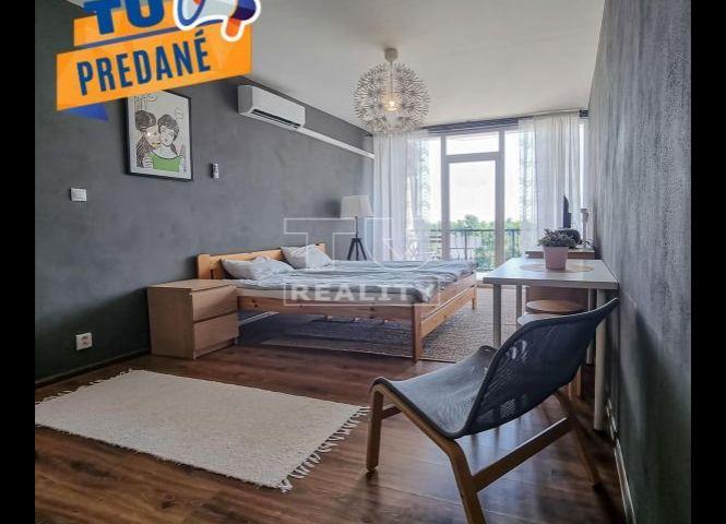 1 izbový byt - Kaluža - Fotografia 1