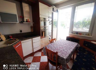 Priestranný 4-izbový byt s loggiou vo výbornej lokalite na Wolkrovej ulici