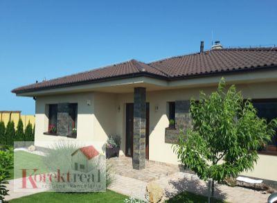 Krásny dom na komfortné a príjemné bývanie 20 min od BA. Obec Hviezdoslavov hneď druhá obec za Miloslavovom