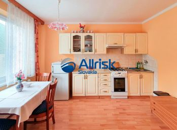 Slnečný 1-izbový byt v Podbrezovej