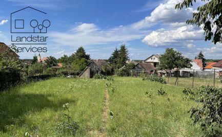 Stavebný pozemok pre rodinné domy na Cintorínskej ul. v Lozorne