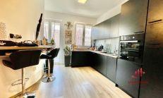 Polyfunkčný štvorpodlažný dom, na predaj, KN