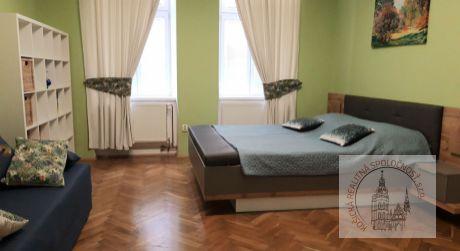 Prenájom 2 izbový byt Jesenského, Košice - Staré mesto (81/21)