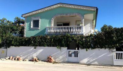 Investičná príležitosť - apartmánový dom na ostrove Vir- Chorvátsko