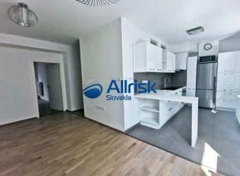 Prenájom luxusného 2i bytu v centre mesta Šaľa.