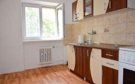 DMPD real Vám ponúka na prenájom 3-izbový byt na Starom sídlisku.