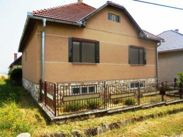 LUPOČ -3 -i dom 135 m2 , GARÁŽ, pozemok 1012 m2  - VÝNIMOČNÉ MIESTO PRE ŽIVOT...