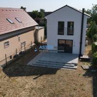 Rodinný dom, Slovenský Grob, 151 m², Novostavba