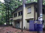 --PBS-- VEĽKÁ murovaná DVOJPODLAŽNÁ chata vhodná na podnikateľské účely - Smolenice časť Jahodník