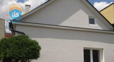 Na predaj útulný, komplet zrekonšt. 5 izbový rod dom, pozemok 245m2, širšie cenrum Piešťan