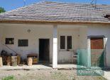 Okr. Šaľa  – NA PREDAJ  3 zbový rodinný dom – chalupa s garážou v rekonštrukcii pri obci DIAKOVCE