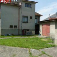 4 izbový byt, Šurany, 140 m², Pôvodný stav