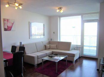 PROMINENT REAL prenajme pekný 2 izb. v obľúbenej novostavbe Retro v Ružinove.