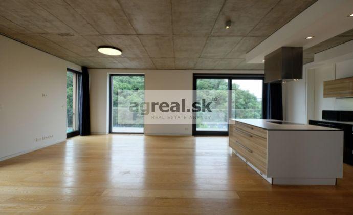 Moderný 3-izbový s veľkou terasou a parkingom pod Horským parkom - Bratislava I.