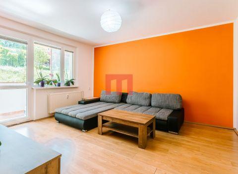 Na predaj 4 izbový priestranný byt s 2 loggiami na začiatku Karlovej vsi