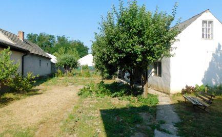 Predaj 3-izbový dom so sedlovou strechou na rovinatom pozemku v obci Dojč, okr. Senica