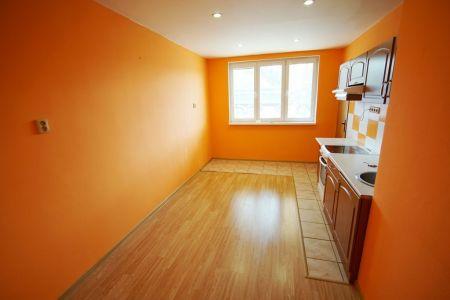 Veľký 1 izbový byt na predaj, Martin - staré Záturčie