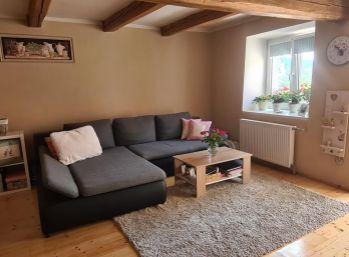 REZERVOVANÉ Na predaj rodinný dom  Banská Belá