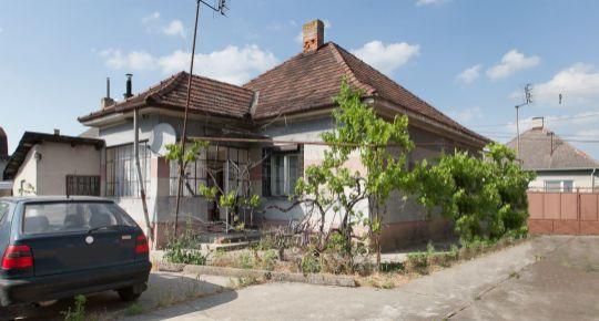 REZERVOVANE_Čierny Brod: Predaj 2izb RD zastv.110m2 pôvodný stav, pozemok 900m2