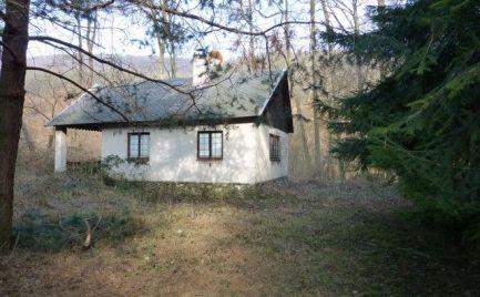 Chata blízko Pezinskej baby s možnosťou celoročného bývania.