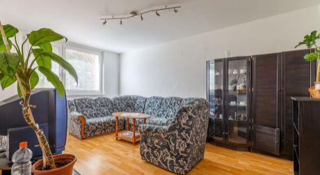 Priestranný 4-izbový byt na Slatinskej ulici