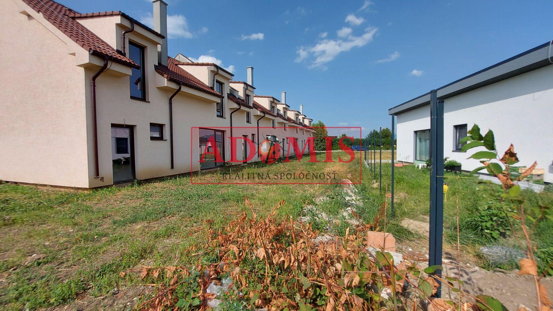 ADOMIS - 4-izbový dom - NOVOSTAVBA, Košice - Krásna, radová zástavbe parkovacie miesto, záhradka,
