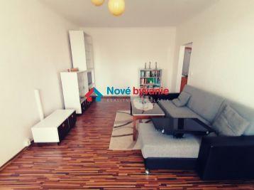 3D OBHLIADKA/ Krásny a funkčný! Na PREDAJ 2 izbový byt s balkónom na Sídl.III v Humennom (N154-112-MIMa)