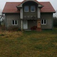 Rodinný dom, Veľká Paka, 120 m², Vo výstavbe
