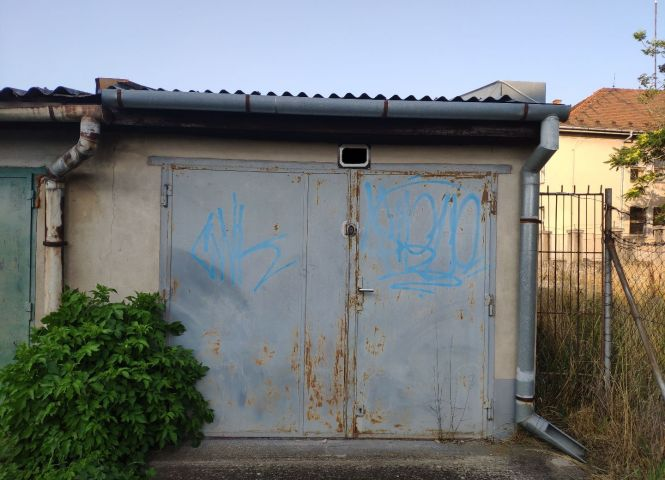 Garáž - Levice - Fotografia 1