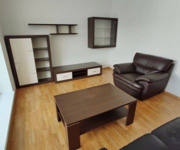 Nájom 2-izb bytu v centre mesta Liptovský Mikuláš