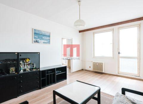 PREDANÝ - Na predaj 3 izbový byt s veľkou loggiou v tichom prostredí Karlovej Vsi