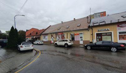 Budova s obchodnými priestormi, Dubnica nad Váhom