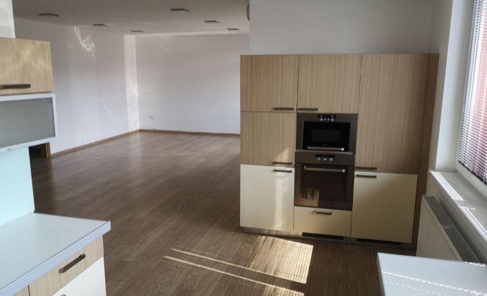 Veľkometrážny 3 izbový byt na prenájom Staré Mesto - Bratislava