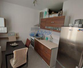 Šikovný 1 izbový  byt v  centre  Galanty  na  prenájom