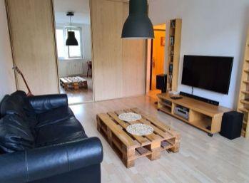 BA IV. Dúbravka- 2 izbový útulný byt na Hanulovej ulici